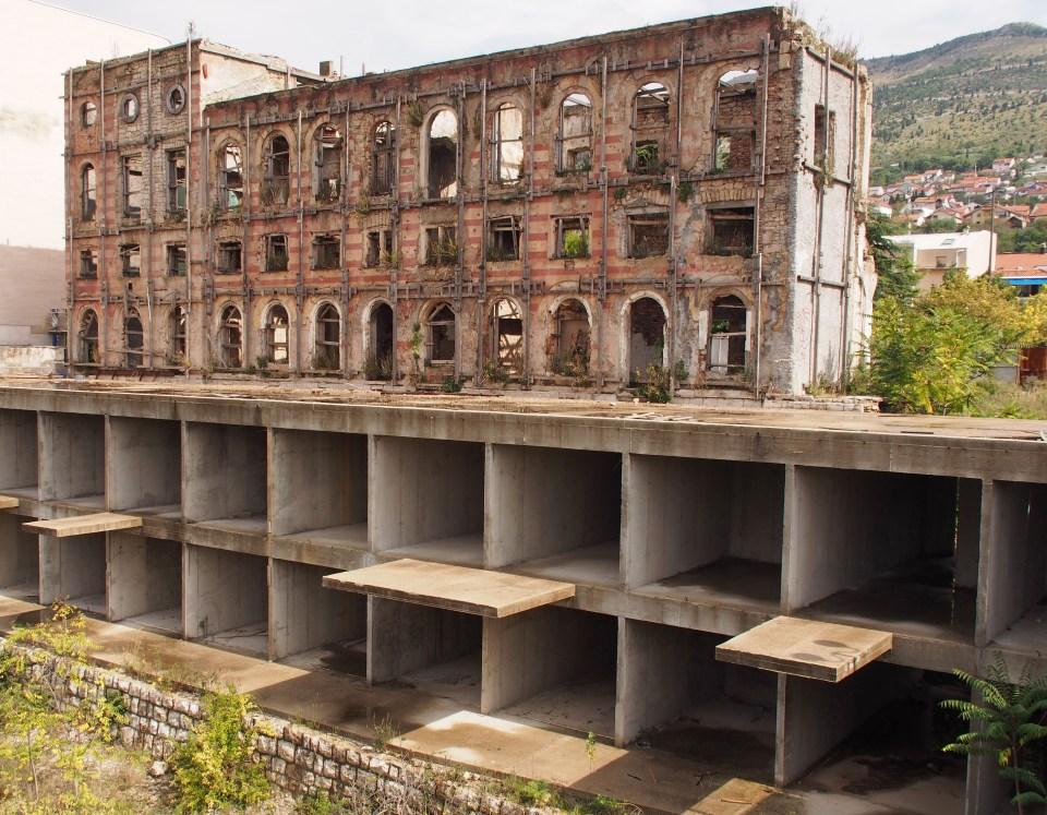 Bombat hus. Mostar