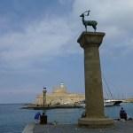 Borgen Agios och hjortstatyerna. Rhodos stad
