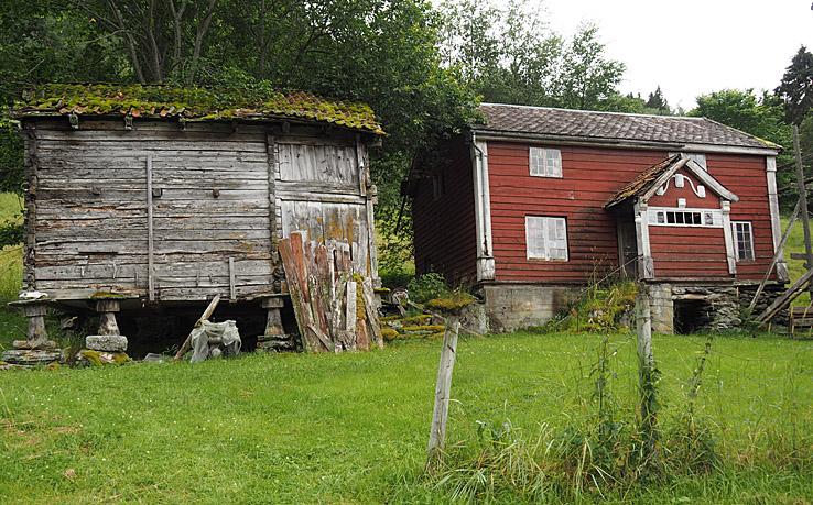 Gammal gård. Sognefjellsvegen