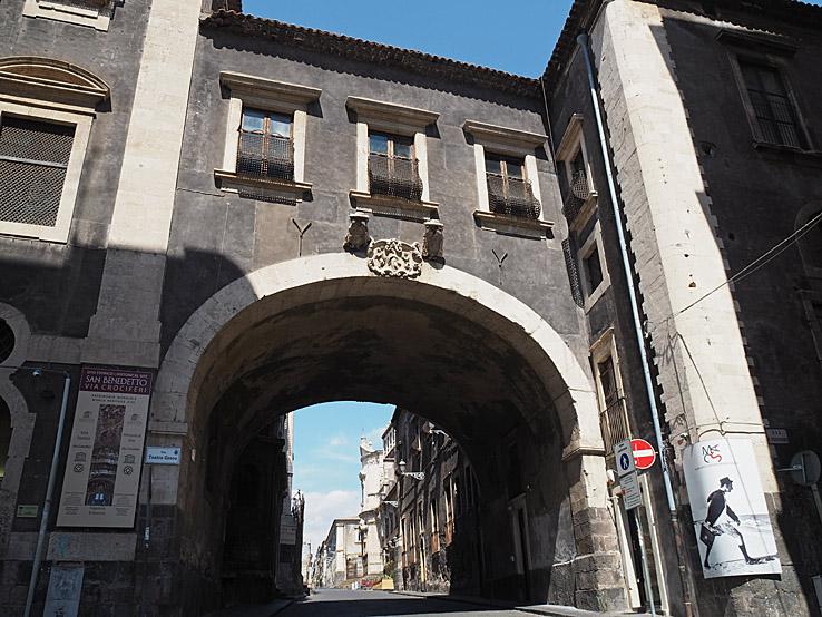 Via Crocifer. Catania (U)