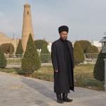 Traditionellt klädd man. Khiva