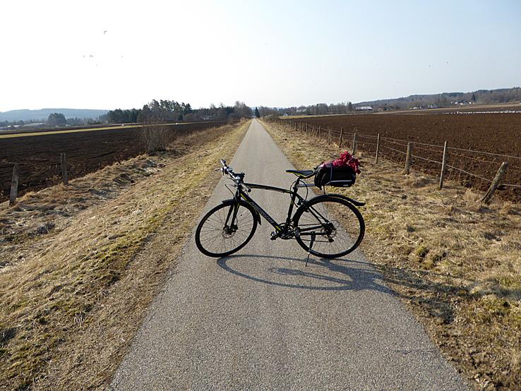 Cykla Ätradalsleden. Falköping - Falkenberg. Sträckan Ulricehamn - Falköping går på banvall