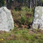 Cykla i Småland. Gamla gravstenar. Tegnaby