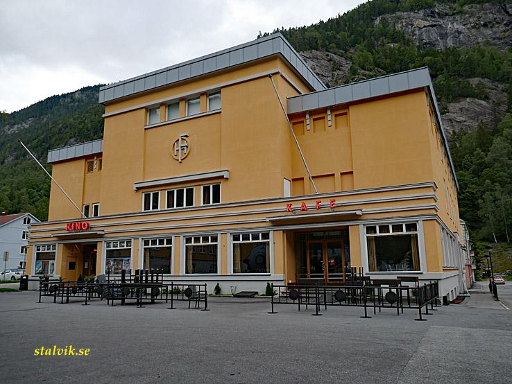 Cykla i Norge. Folkets hus. Rjukan