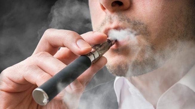 Ilustrasi vape atau rokok elektrik. (Shutterstock)