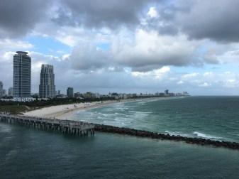 Avfärd med South Beach i förgrunden
