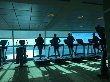 Full fart mot Jamaica på gymmet