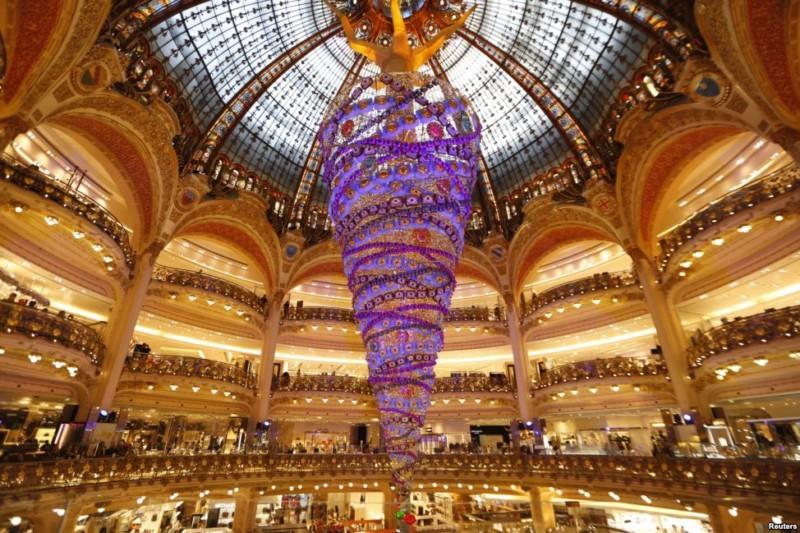 Novogodišnja jelka, Pariz