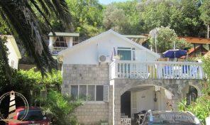 Porodicna kuca na obali mora – Herceg Novi, Kamenari