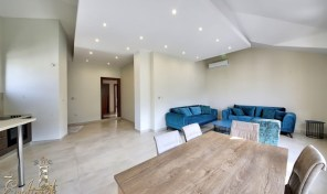 Penthouse in Dobrota 30m from the sea
