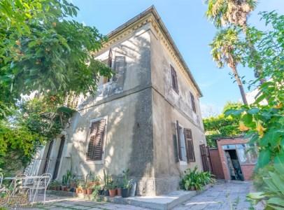Svetionik Nekretnine real estate property oglasi herceg novi id3322
