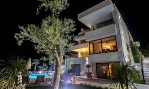 Luksuzna vila sa panoramskim pogledom – Herceg Novi, Djenovici