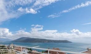 Trosoban stan sa panoramskim pogledom na more – Herceg Novi, Savina