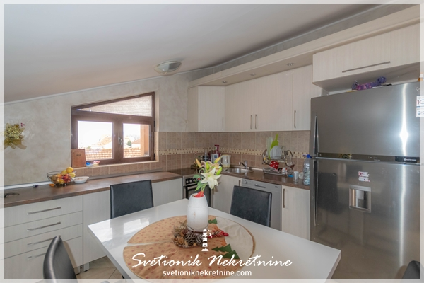 Prodaja stanova Herceg Novi - Dvosoban, kompletno opremljen stan, Dubrava