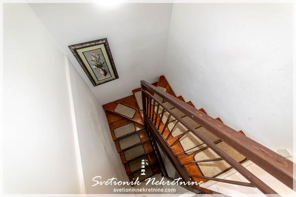Prodaja stanova Herceg Novi - Trosoban stan na dva nivoa, Meljine