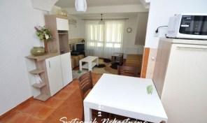 Kuca u neposrednoj blizini mora (jednosoban stan + apartman)  – Igalo, Herceg Novi