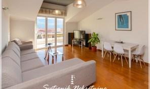 Dugorocno izdavanje stanova – Luksuzan trosoban stan sa pogledom na more, Herceg Novi