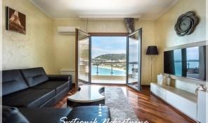 Stan sa panoramskim pogledom na svega 50m od mora – Rafailovici, Budva