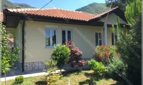 Sarmantna kuca sa dvoristem – Zelenika, Herceg Novi