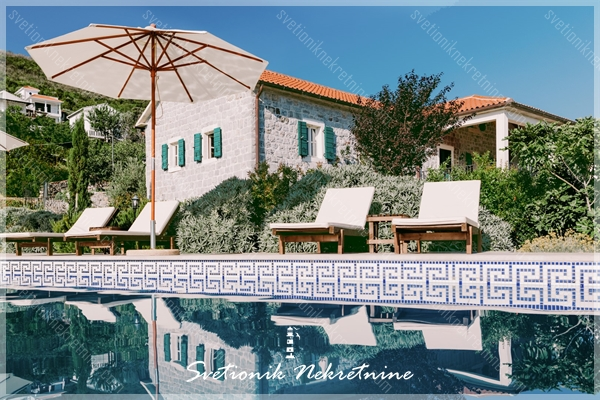 Prodaja kuca / vila Lustica - Luksuzna kamena vila sa imanjem i panoramskim pogledom na more, Zabrdje
