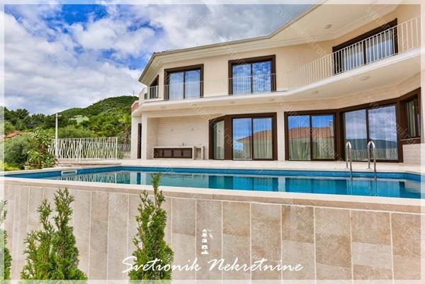 Prodaja kuca / vila Tivat - Moderna vila sa bazenom i pogledom na more, Kava