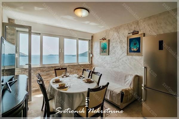 Prodaja stanova Herceg Novi - Renoviran dvosoban stan sa prelepim panoramskim pogledom na more, Savina