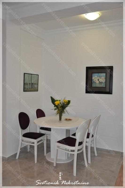 Prodaja stanova Herceg Novi - Luksuzno opremljen studio apartman / garsonjera u neposrednoj blizini mora, Topla 1