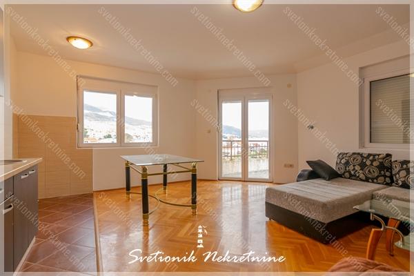 DIREKTNO OD VLASNIKA Prodaja stanova Herceg Novi - Jednosoban stan sa pogledom u neposrednoj blizini mora, Igalo