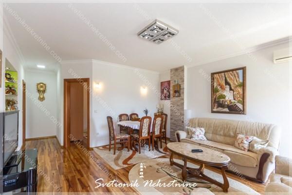 Prodaja kuća Herceg Novi - Kompletno opremljena i nameštena kuća, Igalo - Sušćepan