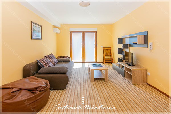 Prodaja stanova Herceg Novi - Namesten i opremljen stan sa pogledom u neposrednoj blizini mora, Igalo
