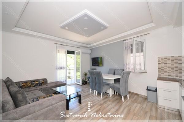 Prodaja stanova Herceg Novi - Namesten jednosoban stan u novogradnji, Igalo