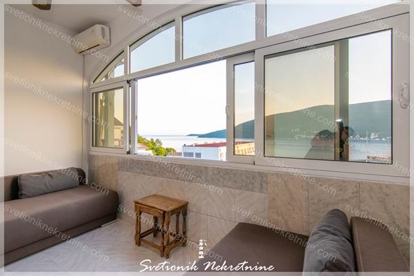 Prodaja stanova Herceg Novi - Stan sa pogledom na more u srcu grada