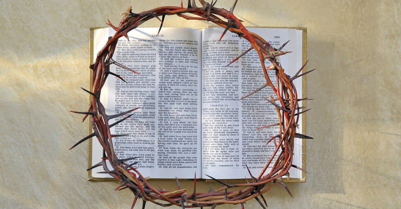 49665-crownofthorns-Bible-Easter-thinkstock-jordachelr-177095900.800w.tn YESHUA É JESUS? Qual o significado do nome YESHUA?