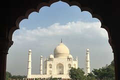 Guide Service For Sunrise Taj Mahal and Agra Fort Tour