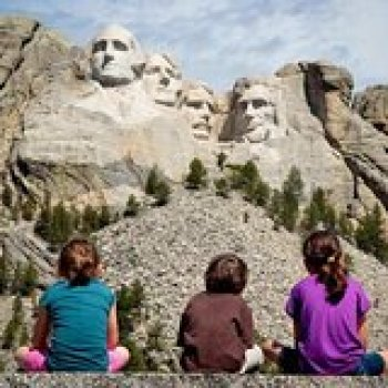 Rapid City South Dakota Top Rated Mount Rushmore Tour Package in the Black Hills 64499P1