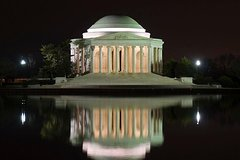 Washington DC Monuments by Moonlight cruise