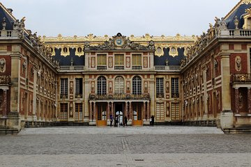Small-group Paris City tour, Versailles & Eiffel Tower with Tickets by Minivan