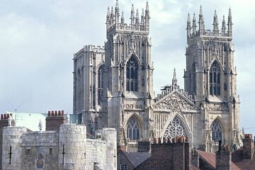York Day Tour by Train from London