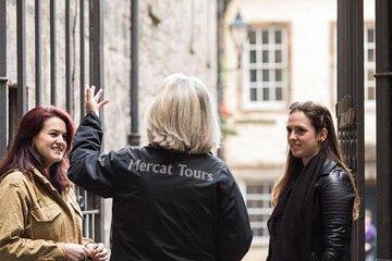 Edinburgh Royal History Walking Tour with Optional Palace of Holyrood House Admission