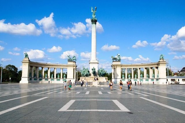 Os 10 melhores passeios e ingressos - Avenida Andrássy (Andrássy Út) -  Viator