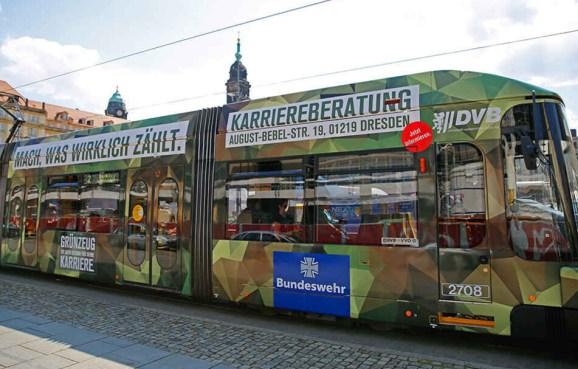 Geht es nach ihm, soll künftig auch keine Bundeswehr-Straßenbahn durch Dresden rollen.