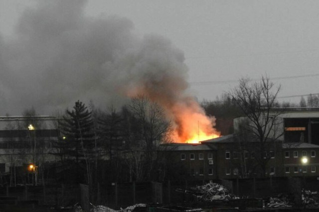 Flammen und Rauchschwaden: Brand bei Recycling-Firma | TAG24