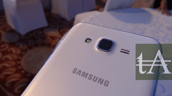 Samsung Galaxy J7 Camera