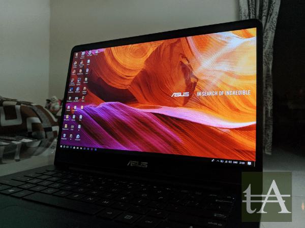 Asus ZenBook UX430 Display