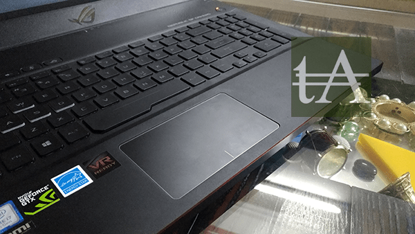ASUS ROG Zephyrus M GM501 Trackpad
