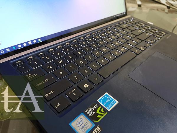 Asus Zenbook 15 UX533F Keys