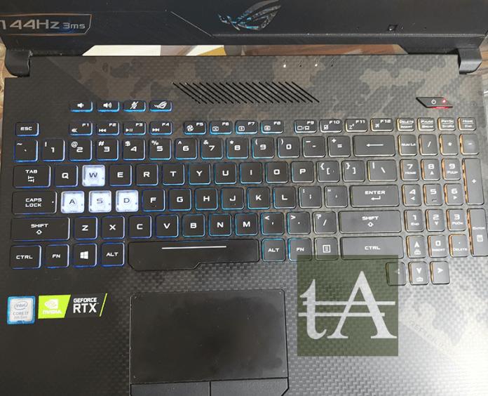 Asus ROG Strix Scar II GL504 Keyboard Top