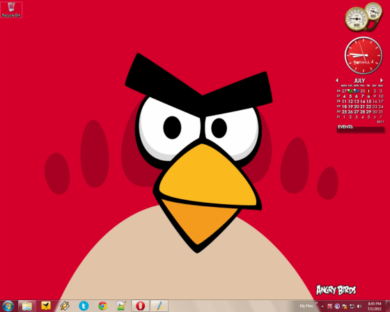 Official_Angry_Birds_Theme_For_Windows_7-1