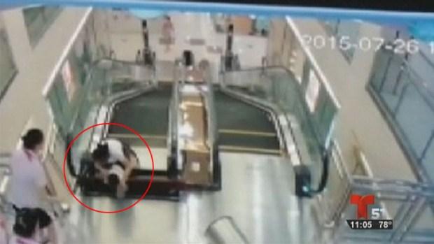 "Fotos: Mujer muere al ser ""tragada"" por escalera mecánica"