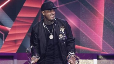 Nicky Jam dispuesto a rencurarse y hacer de gay [Video]